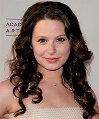 Katie Lowes Hairstyles