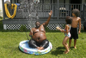 this BB Code for forums: [url=http://funny.piz18.com/funny-pool-party ...