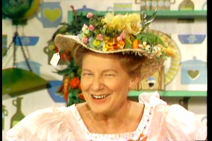 ... Pearl makes her last appearance on popular country program Hee Haw