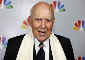 Carl Reiner arrives for the taping of