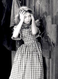 GISH, LILLIAN (1893–1993) Actress, Director