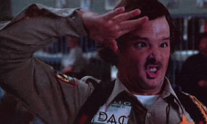 deputy Doofy from Scary Movie )