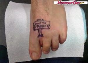 Photo drôle d'une personne qui sait rire de son handicap : un doigt ...