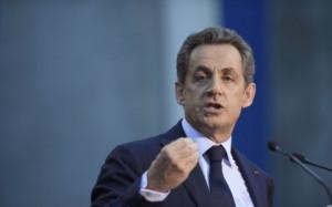 Juppé sifflé à Bordeaux : Sarkozy ne