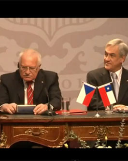 clip showing Czech President Vaclav Klaus apparently pocketing a ...