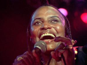 Miriam Makeba in einer Szene des Kinofilms Mama Africa Foto