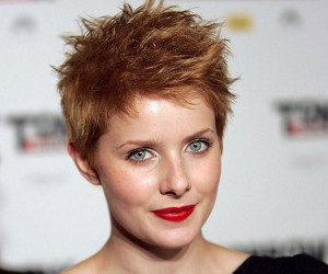 rachel-hurd-wood-hairstyle.jpg