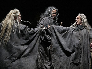 In a 2001 production by the Cambridge Shakespeare Company, Macduff ...