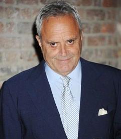 British multi-millionaire art collector, Saatchi challenges critic to ...