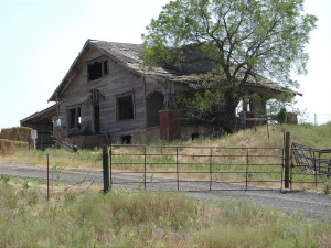 quotes about abandoned old homes who lived in this old abandoned