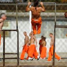 3808_life-in-prison-1044375-flash-1044375-flash-OneByOne.jpg