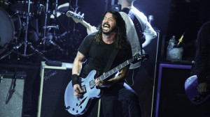 ... if the Foo Fighters frontman... http://t.co/BRrd2vDFjA #UFO4UBlogMusic