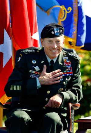 Petraeus adds Afghanistan to his command