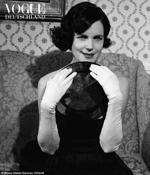 Glamorous: Elizabeth McGovern wowed with a vintage-inspired look, with ...